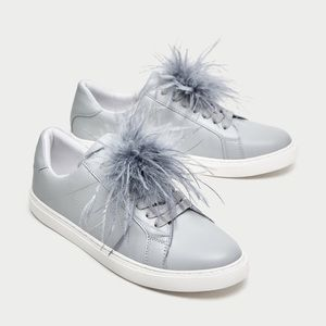 Sneakers with feathers
